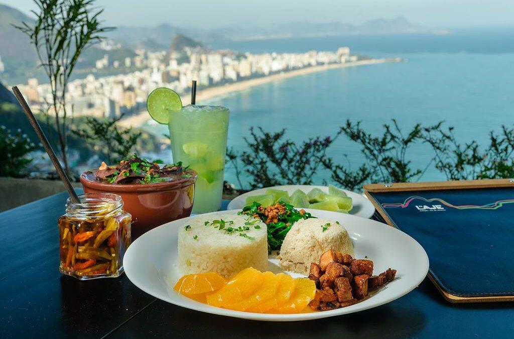 O Bar da Laje é um dos 5 bares cariocas a servirem feijoada citados pela Veja Rio